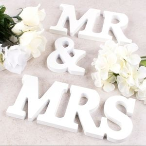 🆕️ Wooden Mr and Mrs Signs WeddingParty Table